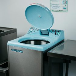 Top-Loading-Bedpan-sanitizer-with-high-technology
